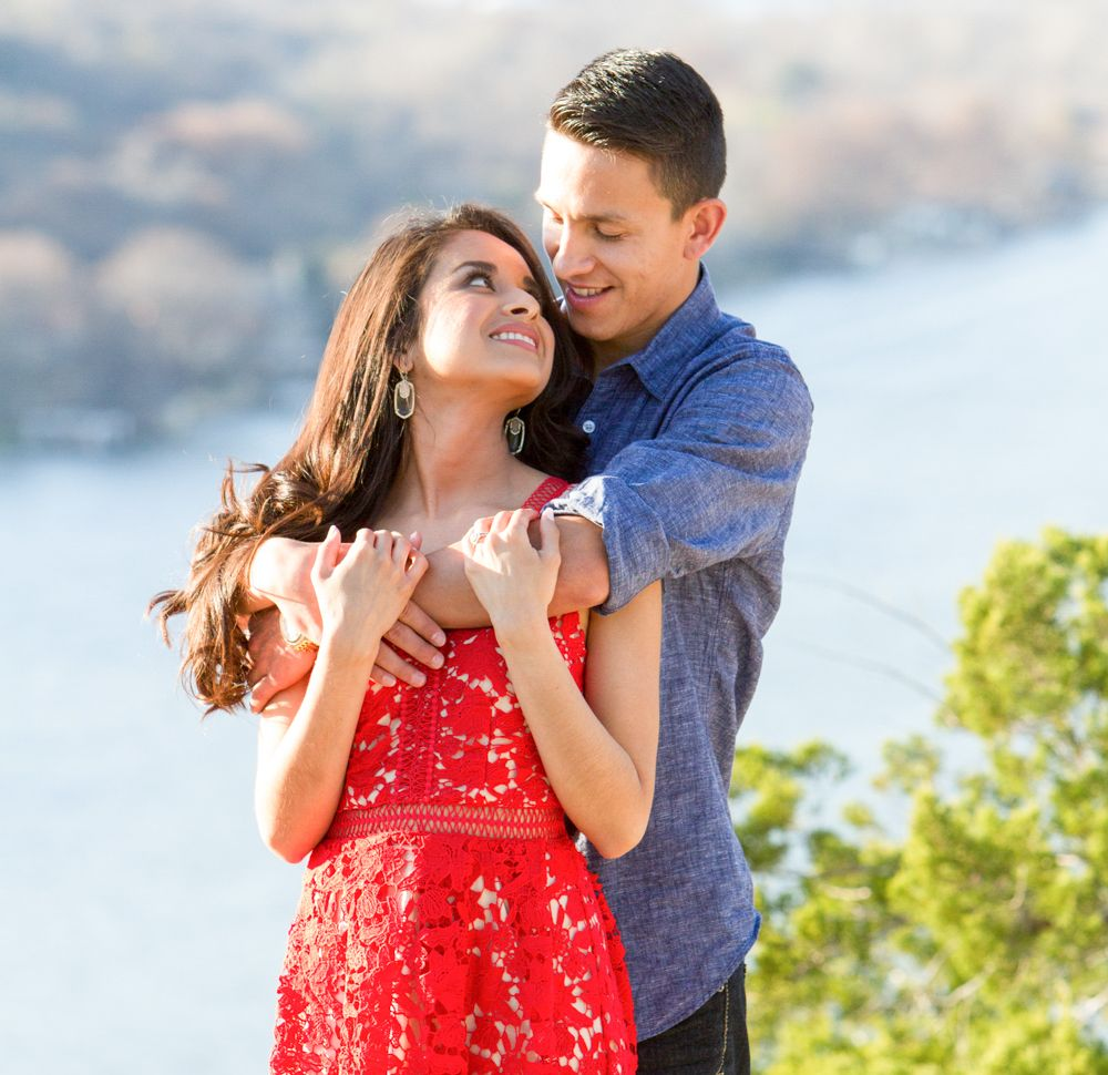 View Austin engagement locations and photoshoot ideas.