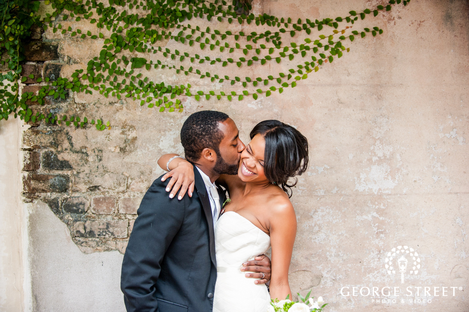 "Our Favorite ""Must Have"" Wedding Photos"