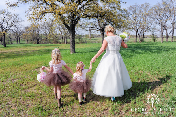 Bride and flower girl photo idea