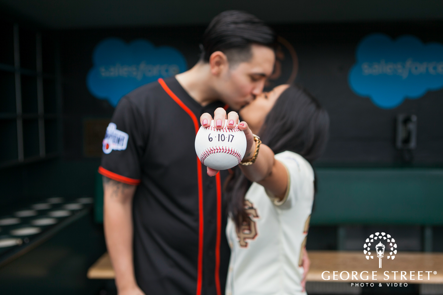 11 Grand Slam Photos for A Baseball Themed Engagement