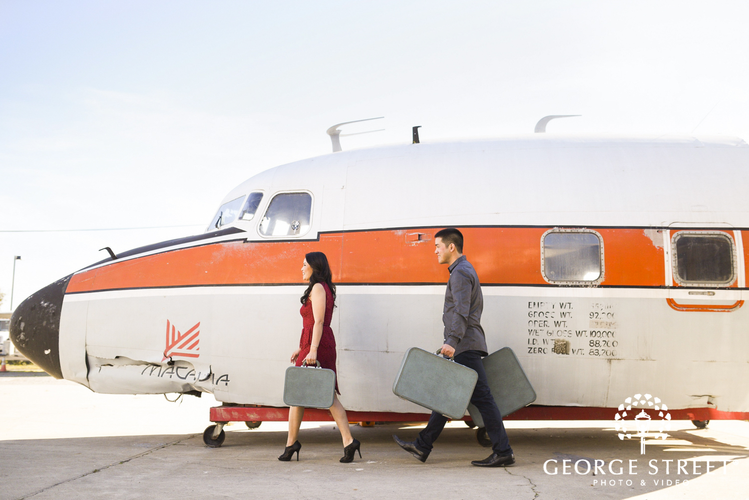 Planning Your Travel Themed Engagement Photo Session - George Street ...