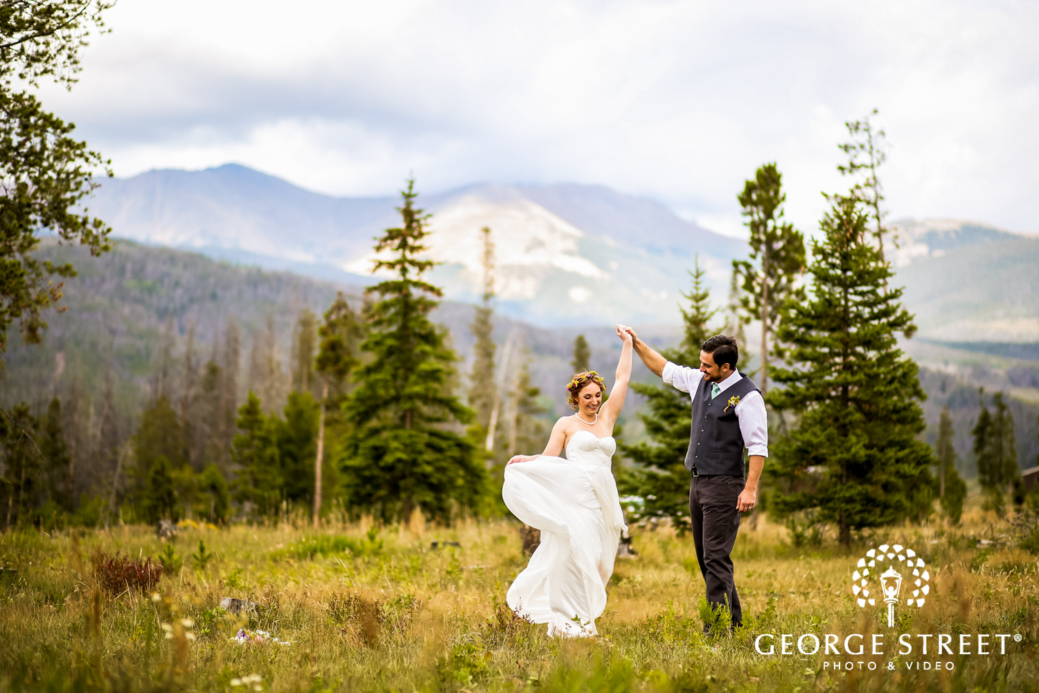 5 Reasons to Book Wedding Photo & Video From the Same Studio