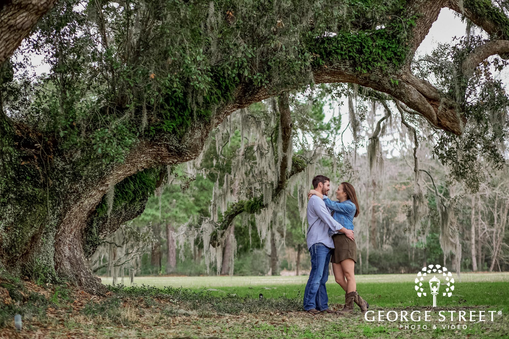 runnymede plantation passionate green fields charleston engagement photography 2