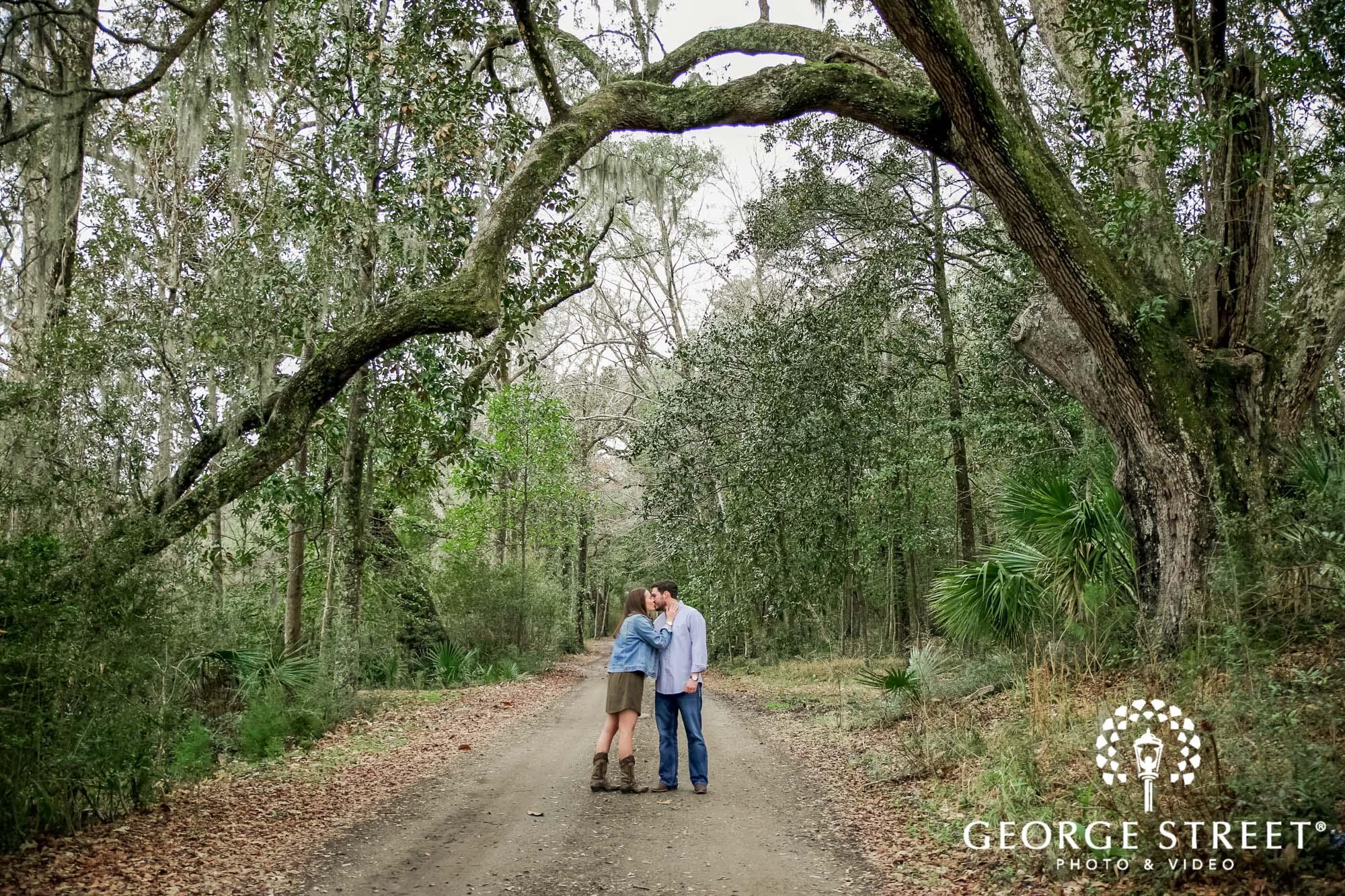 runnymede plantation charming green pathway charleston engagement photography