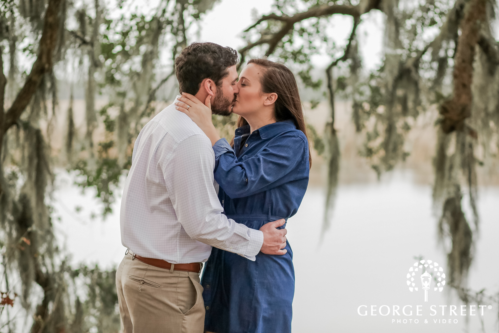 runnymede plantation romantic trees charleston engagement photography 3