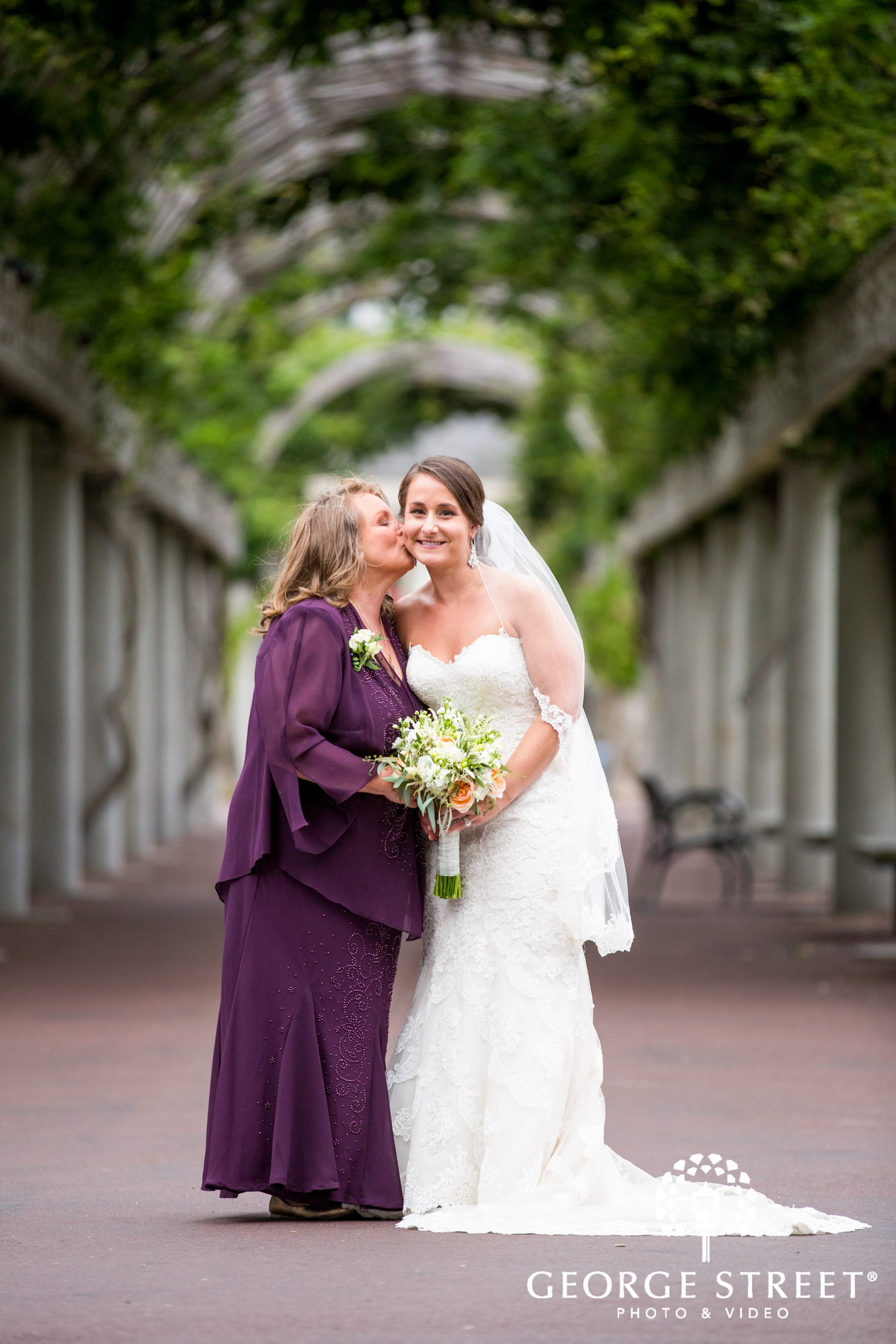 boston marriott long wharf beautiful outdoor wedding portraits downtown bride and mother portrait