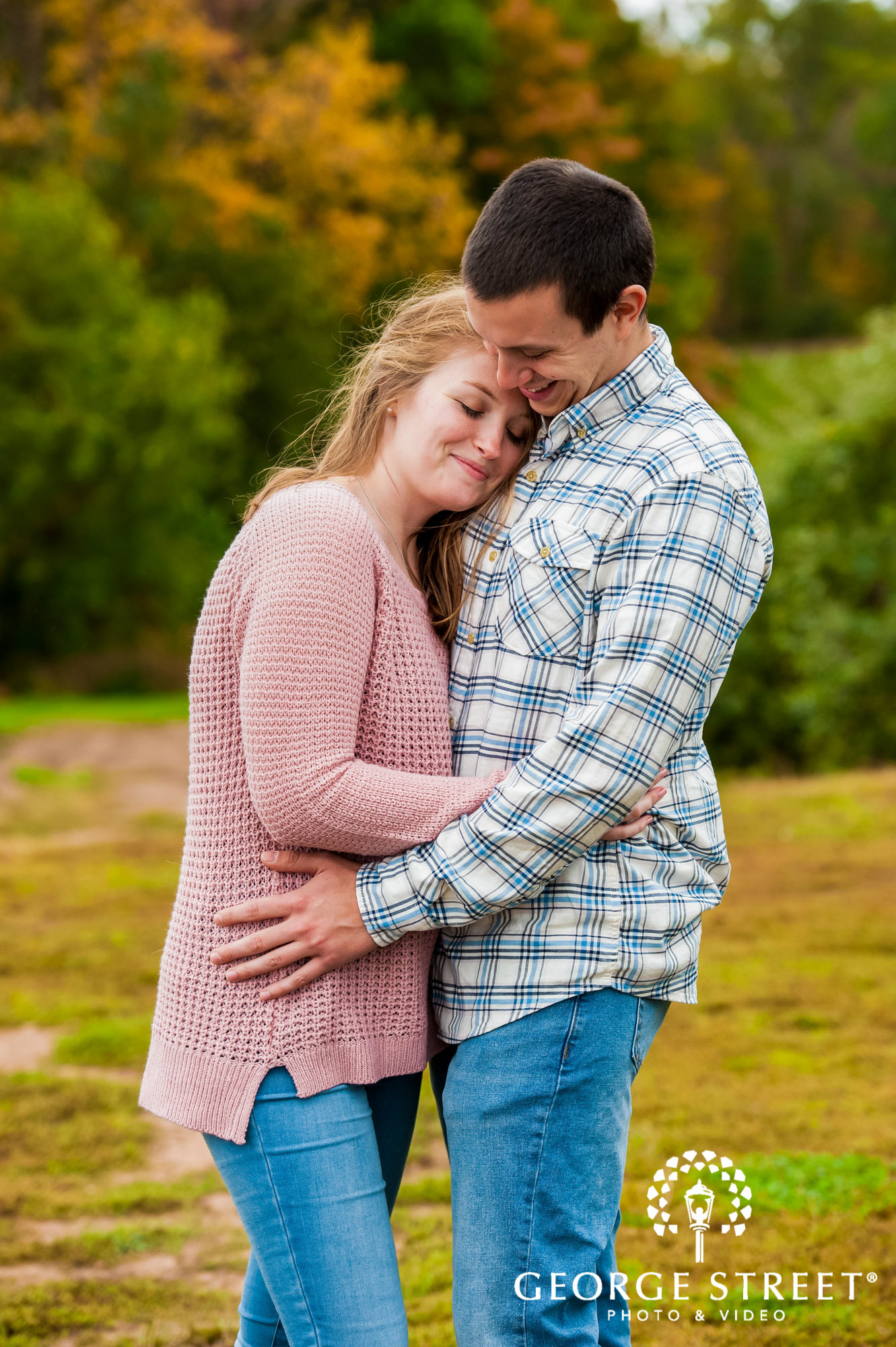 lyman orchards cute greenery sweater hartford engagement photography 2