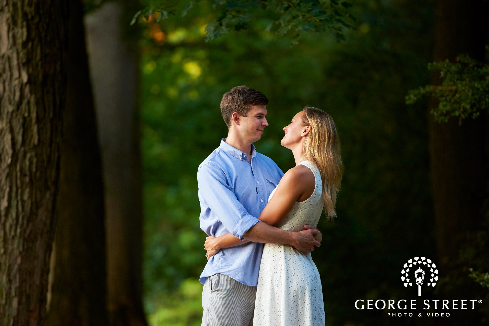 beautiful outdoor engagement photos in philadelphia 2