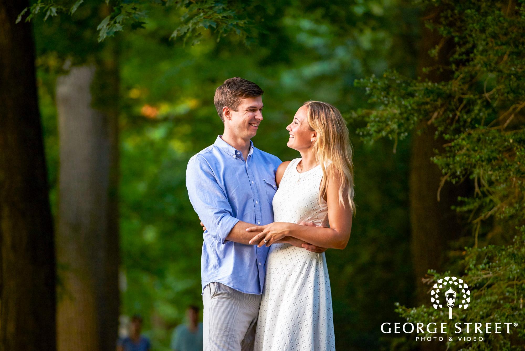 beautiful outdoor engagement photos in philadelphia 4
