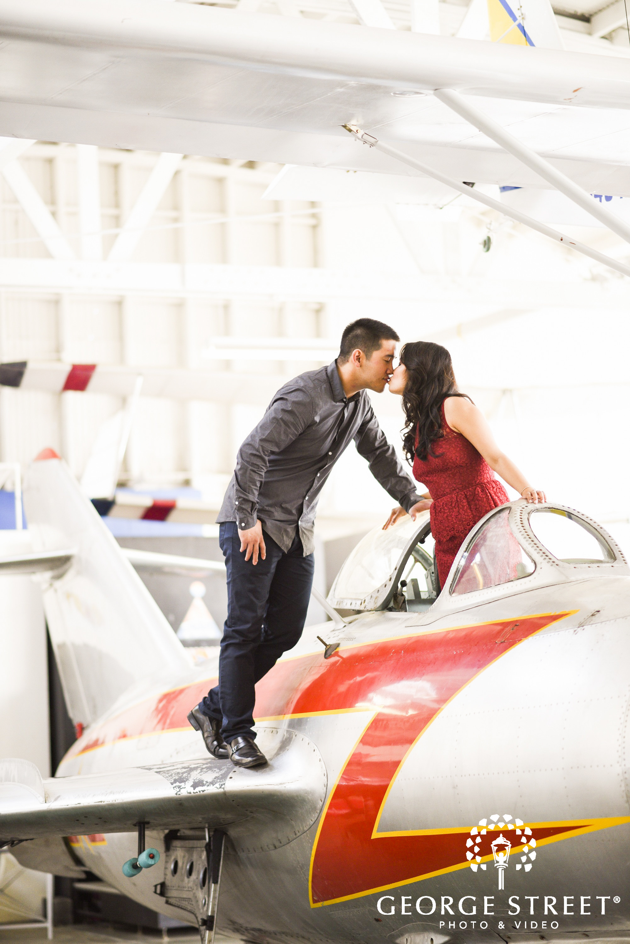 engagement session at oakland air museum