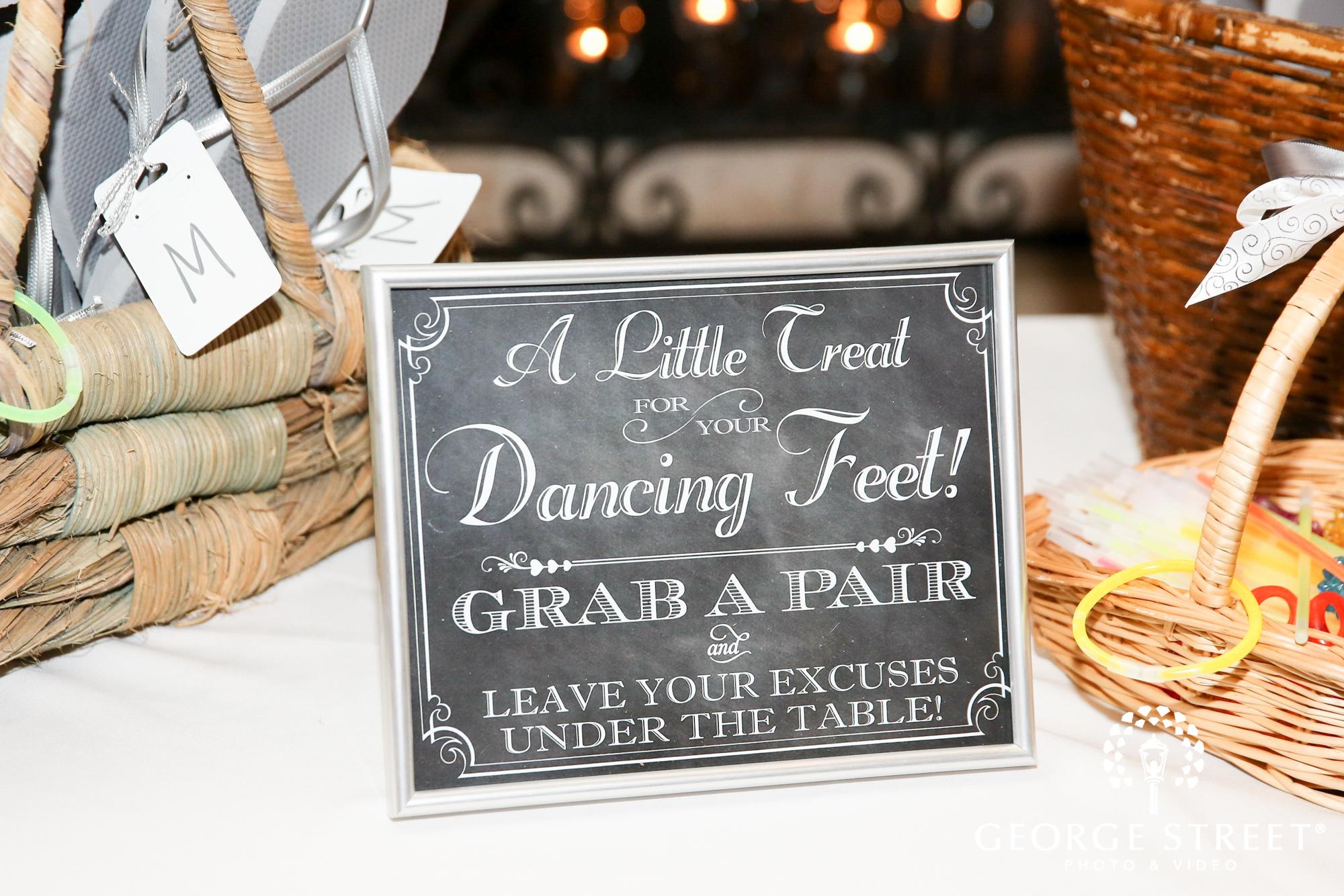 dancing feet sign