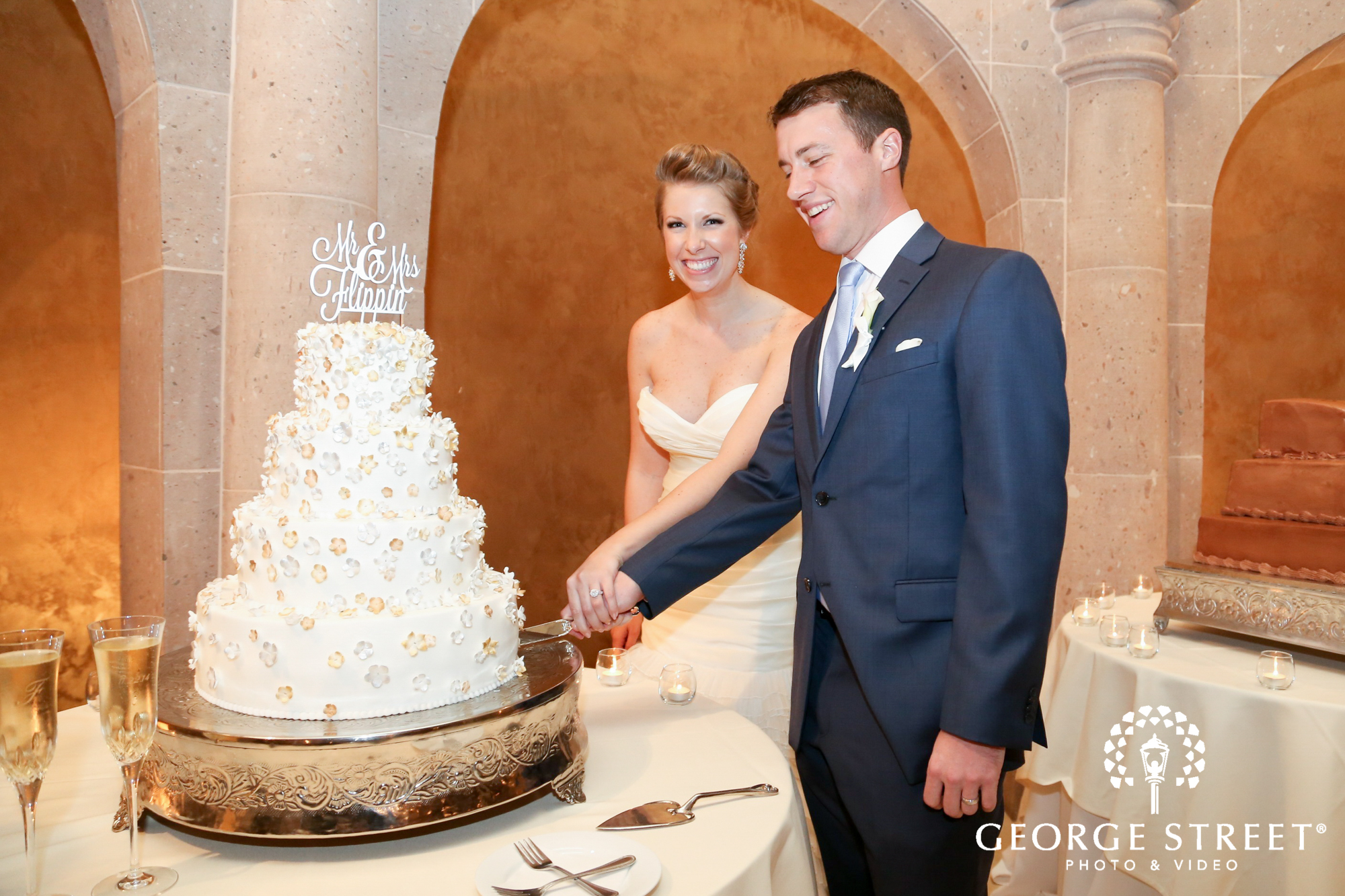 excited cutting of the cake
