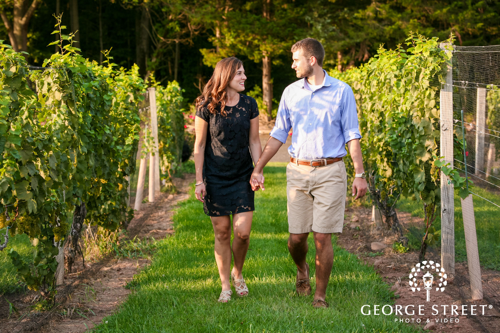 paradise hills vineyard  winery summer outdoor engagement session 4